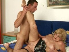 mature woman gets fucked big time!