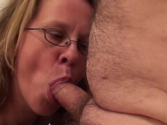 Mature couple fuck in the hot tub