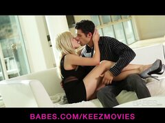 Riley Steele gives her man a great wet blowjob before riding him